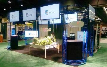 """Reconfigurable truss system with 16 55"""" Video Screens"""
