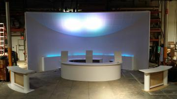 High End Custom 14' x 32' x 32' Curved Tradeshow Booth / Corporate Theater Set Featuring: