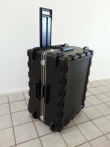 Rugged wheeled shipping case 3SKB-2921MR