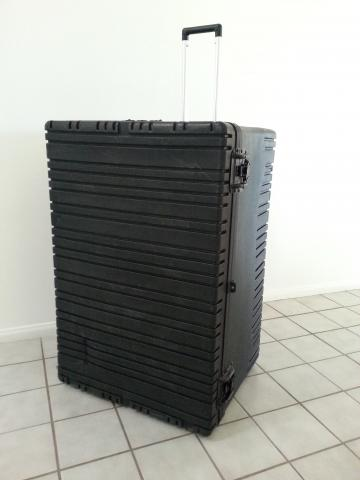 Rugged wheeled shipping case RR3223-20
